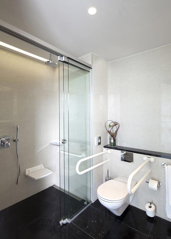 how to clean hospital bathroom